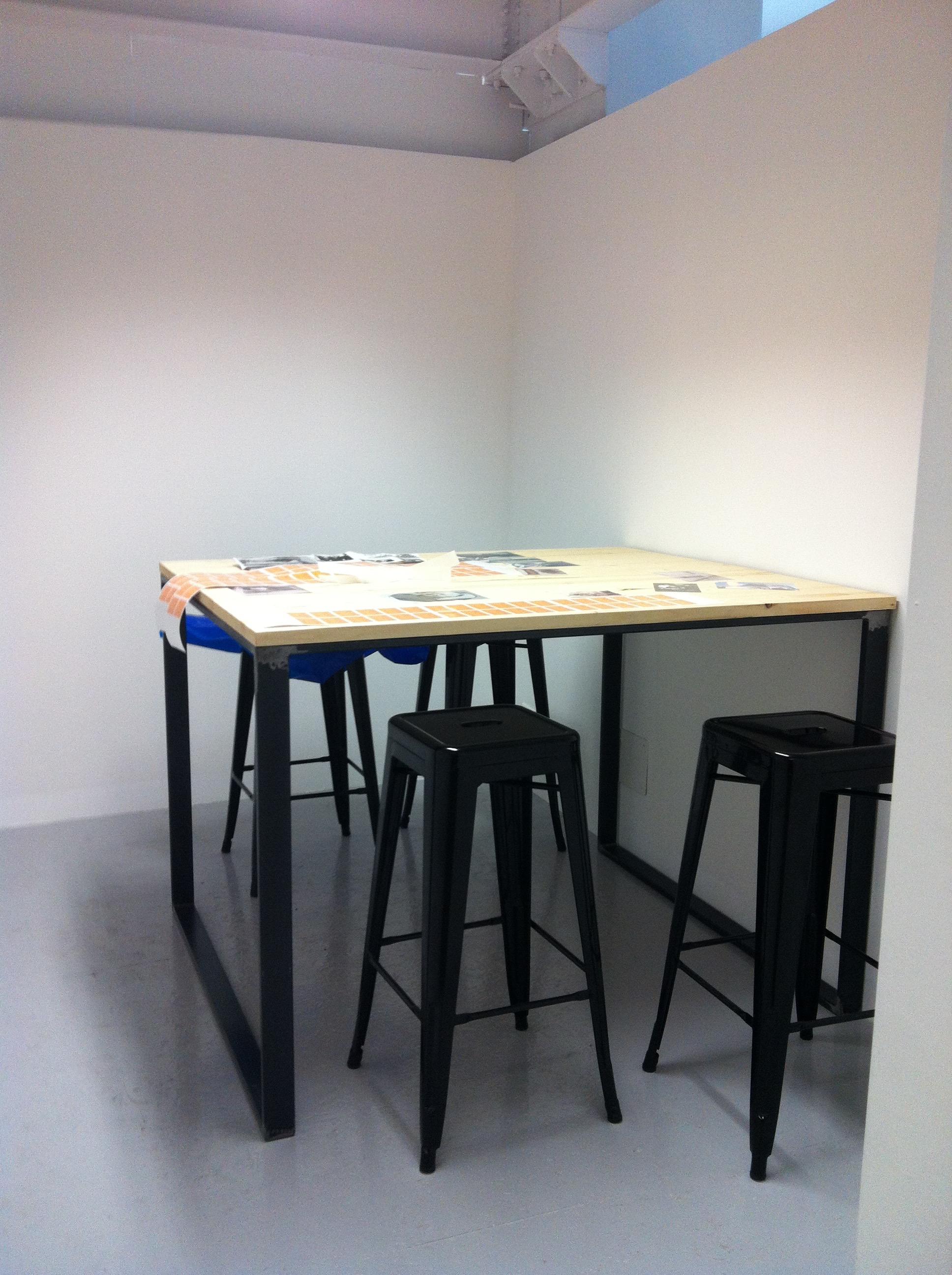 Hub / Spoke small meeting room