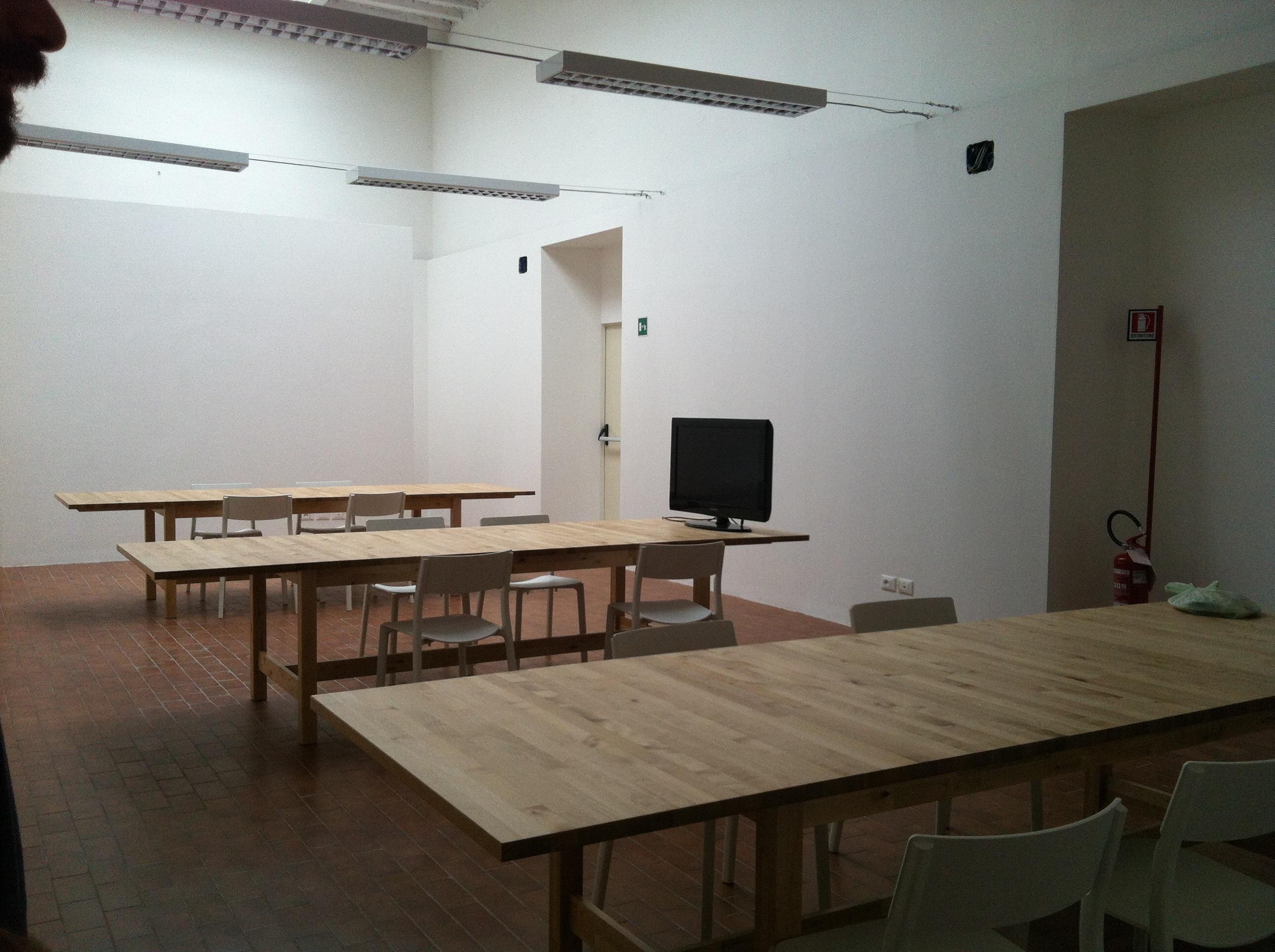 Hub / Spoke big open space