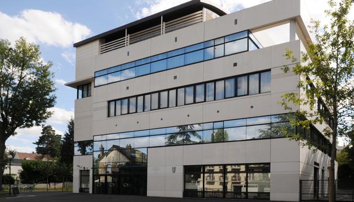 Le collège Jean Moulin à Chaville (Hauts-de-Seine)